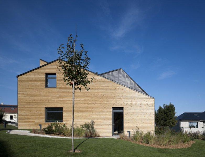 Referen n stavby nomade architectes verri res le for Maison saine air et lumiere